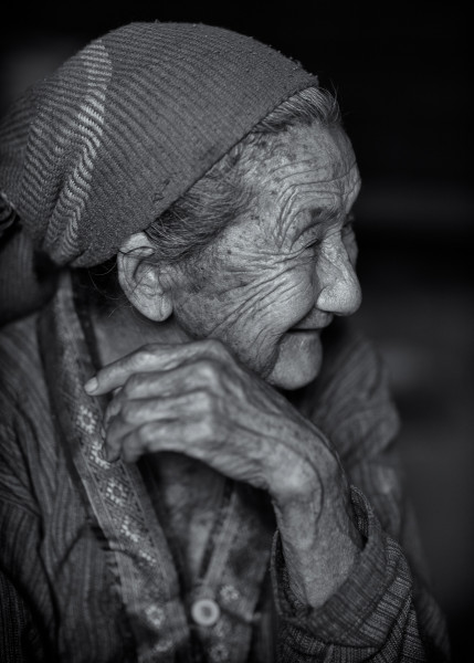 Photo Hmong Grandmother #2