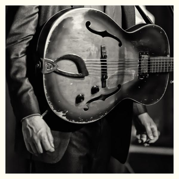 Photo Robt Sarazin Blake Guitar