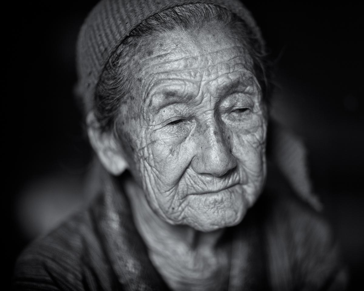 Hmong_Grandmother-7.jpg